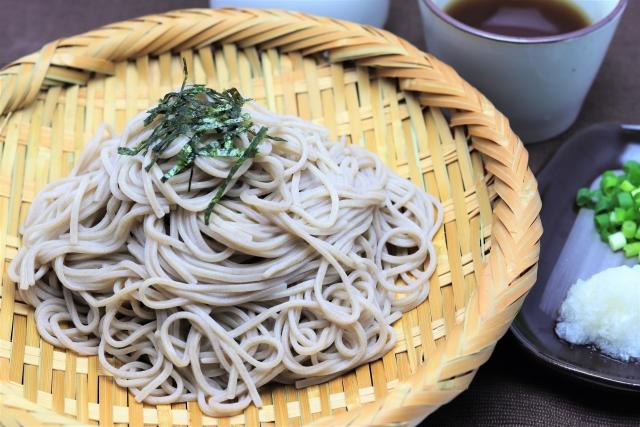 おかず ざるそば ざるそばに合うおかずやレシピ!天ぷら以外の付け合わせはコレ